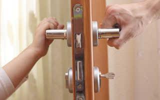 Как смазать петли межкомнатных дверей?