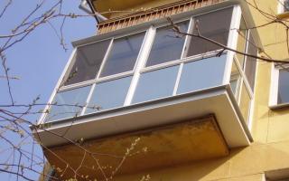 Расширить балкон на первом этаже
