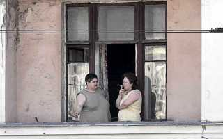 Как отучить соседей курить на балконе
